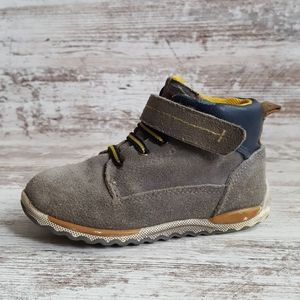 Beeko Gray Suede Leather Boots